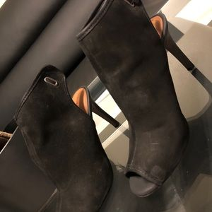 Luck black suede boots